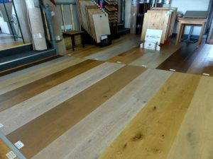 Oak display floor & stands